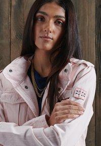 Superdry - ROOKIE VJ - Summer jacket - rosa - 1
