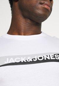 Jack & Jones - JACSIMON LONG PANTS - Pyjama set - maritime blue/white - 6