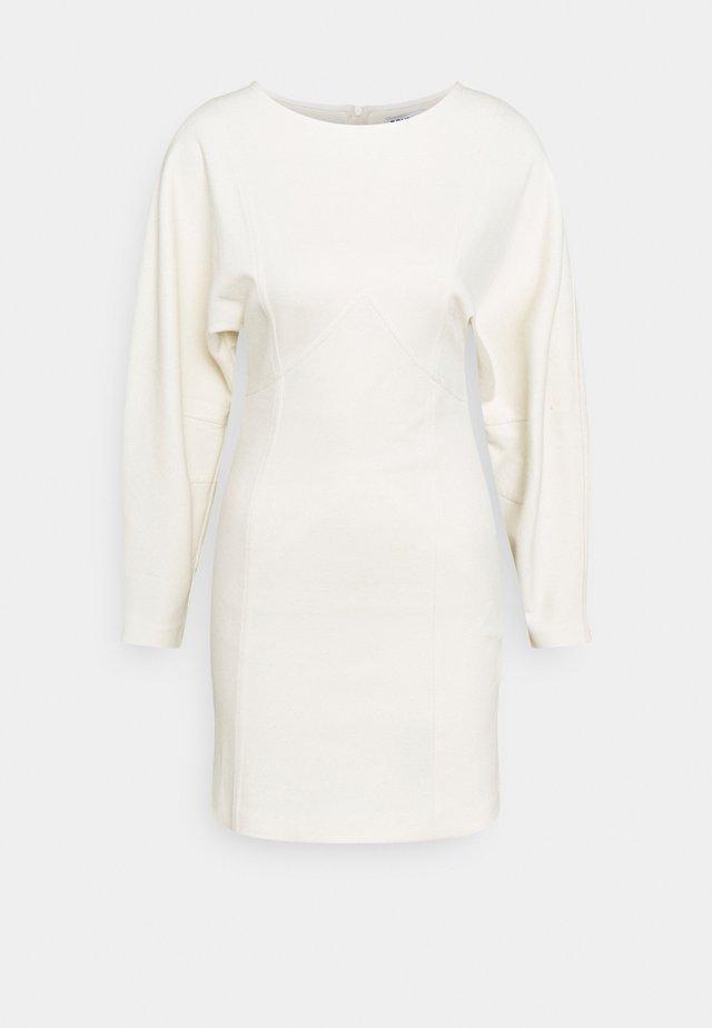 ABITO - Žerzejové šaty - butter