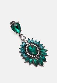 Pieces - PCLAYAL EARRINGS - Earrings - dark silver-coloured/green/clear - 2
