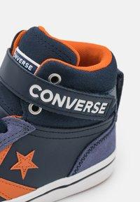Converse - PRO BLAZE STRAP UNISEX - Baskets montantes - obsidian/fire pit/white - 5