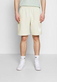 Nike Sportswear - CLUB - Shorts - light bone - 0