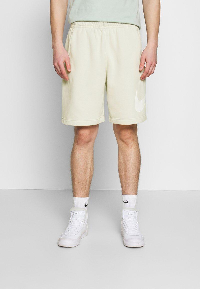 Nike Sportswear - CLUB - Shorts - light bone