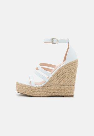 MIRELLE - Sandály na platformě - white