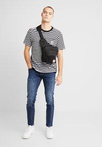 Pepe Jeans - HATCH - Slim fit jeans - dark used wiser wash - 1
