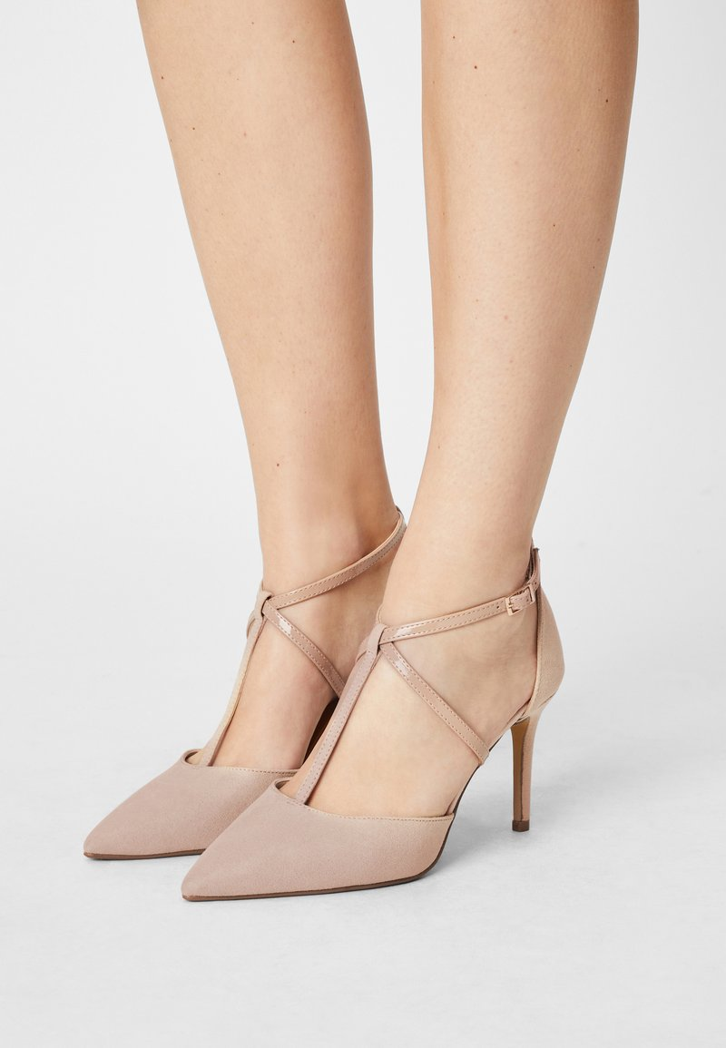 Dorothy Perkins Wide Fit - WIDE FIT DAINTY COURT - Escarpins - nude