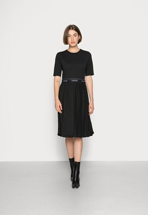 MICRO PLEAT MIDI DRESS - Jersey dress - black