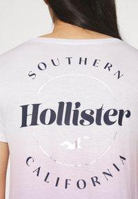 Hollister Co. - SSEASY CORE - Print T-shirt - wash - 3