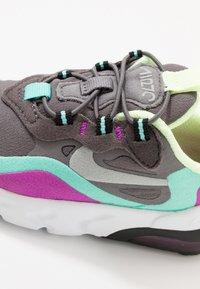 Nike Sportswear - AIR MAX 270 RT - Sneakers basse - gunsmoke/reflect silver/aurora green/hyper violet - 2