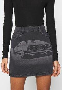 NU-IN - LASER PRINT MINI SKIRT - Mini skirt - black - 4