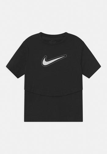 DRY TROPHY  - Print T-shirt - black/white