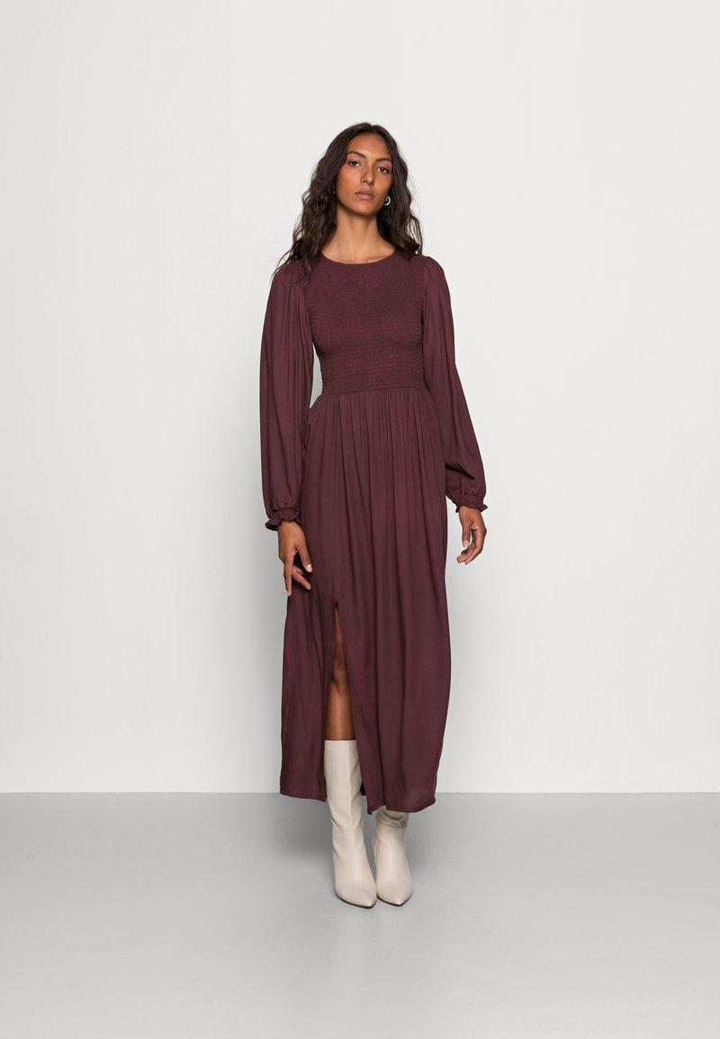 LASCANA - SMOK - Maxi dress - aubergine