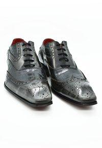 Fertini - Smart lace-ups - black croco gray brushed - 2
