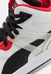 Puma - BACKCOURT MID UNISEX - Vysoké tenisky - white/black/high risk red/silver - 5