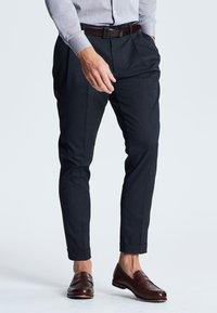 Next - TWIN PLEAT - Kalhoty - blue - 0
