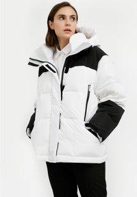 Finn Flare - Down jacket - white - 5