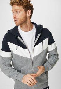 C&A - Zip-up hoodie - dunkelblau - 0