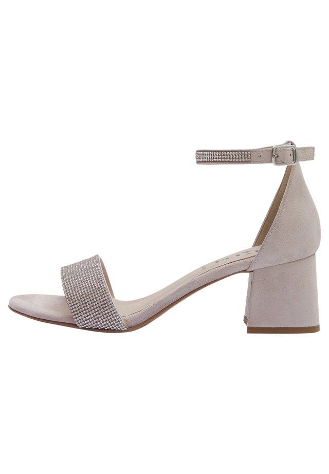 NIKA - Sandals - nude