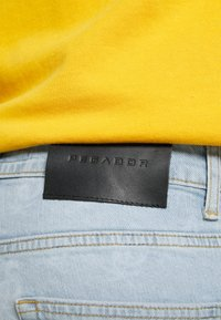 Pegador - SEVILLA PATTERN JEANS - Straight leg jeans - light blue - 6