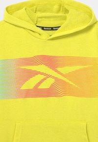 Reebok - RAINBOW VECTOR HOODIE UNISEX - Collegepaita - yellow - 2