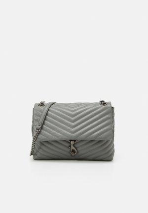 EDIE FLAP SHOULDER - Handbag - steel