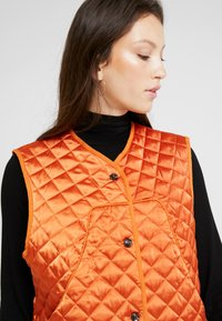 Soeur - GALINOU - Smanicato - orange - 3