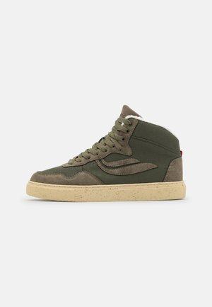 SOLEY UNISEX - Sneakersy wysokie - mudd