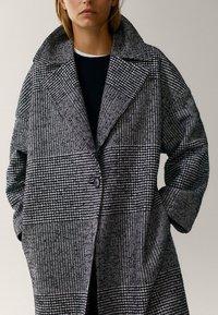 Massimo Dutti - Classic coat - black - 5