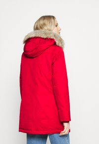 Tommy Hilfiger - SORONA PADDED - Winter coat - primary red - 2