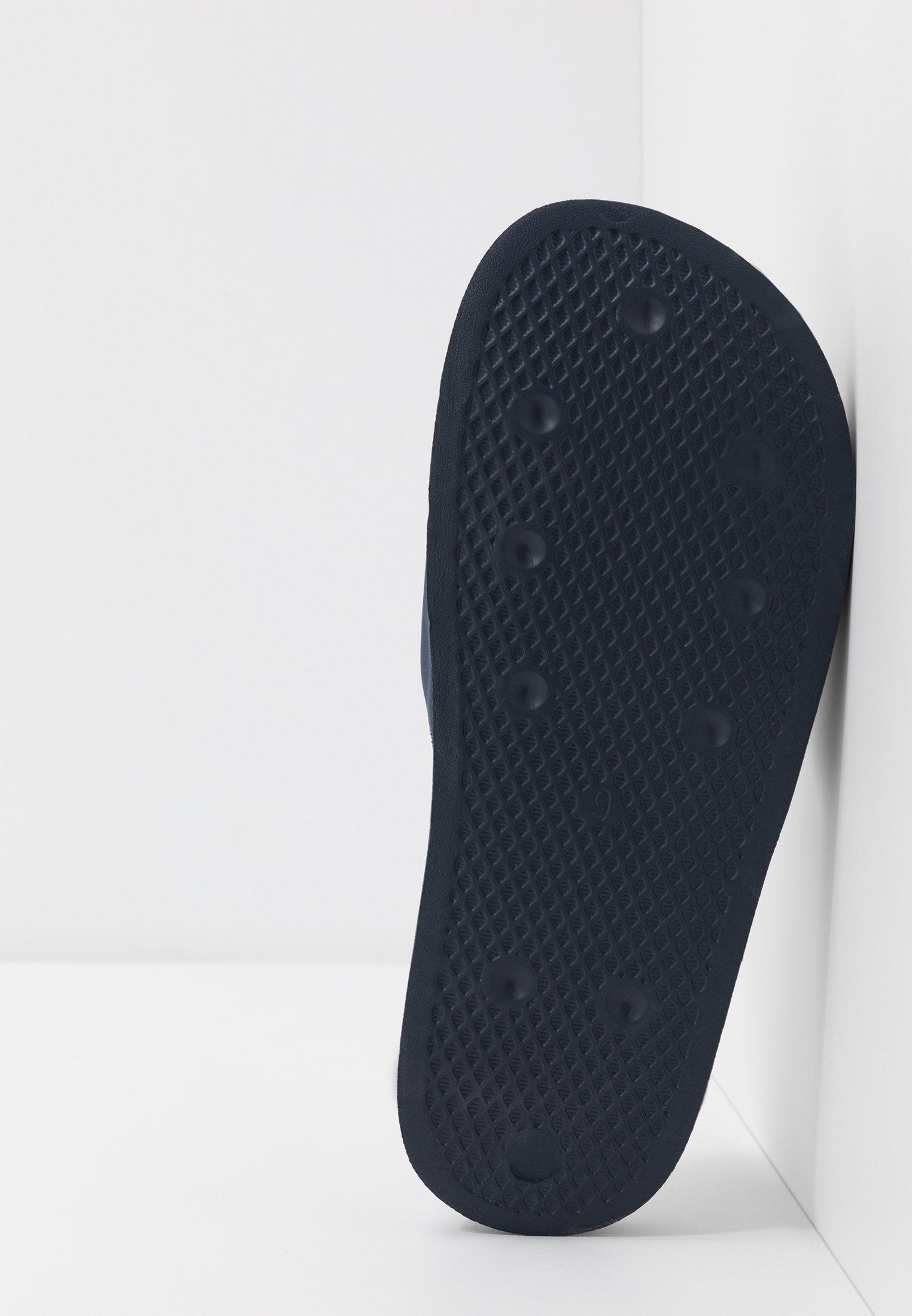 adidas Originals ADILETTE LITE - Slip-ins - conavy/ftwwht/conavy/mörkblå - Herrskor 28goz