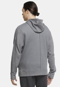 Nike Performance - Zip-up hoodie - iron grey/htr/(black) - 2