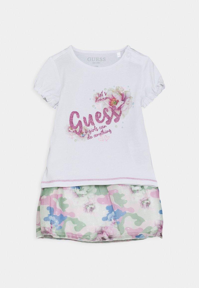 Guess - SKIRT SET - Print T-shirt - true white