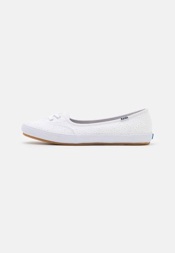 TEACUP EYELET - Trainers - white