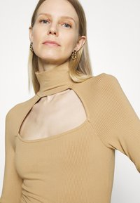 Guess - NIHAN  - Jumper - toasted taupe - 3