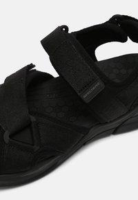 Skechers Sport - EQUALIZER 4.0 SANDAL TOLGUS - Sandały - black - 6