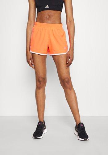 M20 SHORT - Sports shorts - app solar red/white