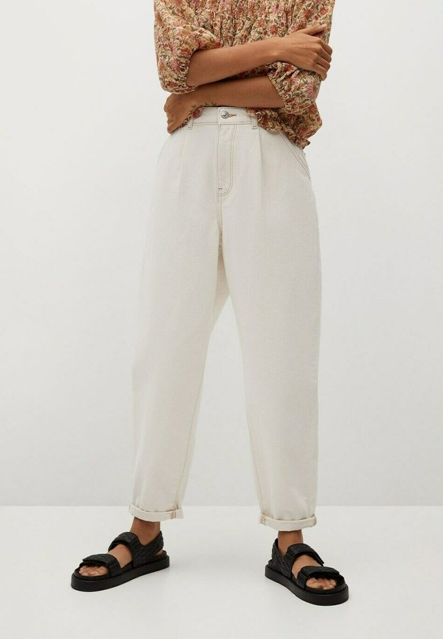 MICHELLE - Relaxed fit jeans - ecru