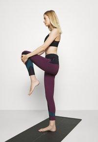 Etam - EDEAN LEGGING - Leggings - prune - 3
