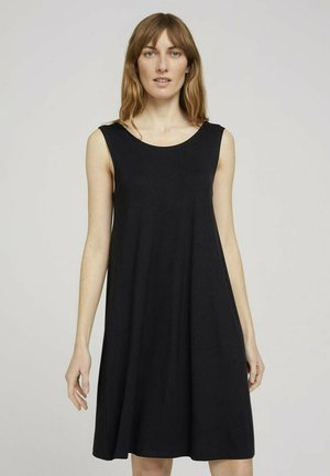 MIT RÜCKENDETAIL - Day dress - deep black