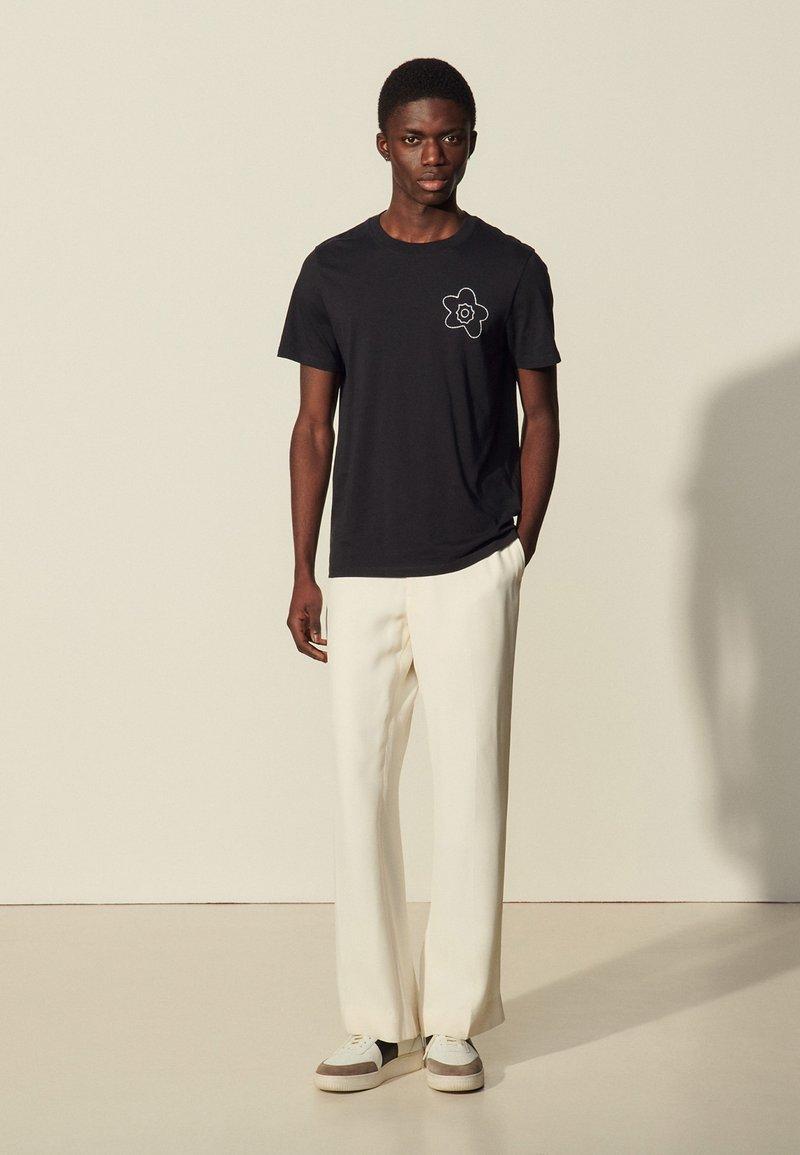 sandro - FLOWER TEE - Print T-shirt - marine