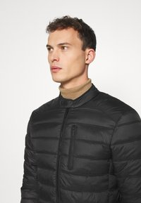 Superdry - COMMUTER QUILTED BIKER - Light jacket - black - 3