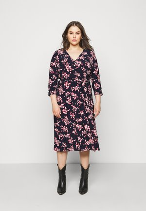 CARLYNA - Žerzejové šaty - navy/orient red/cream
