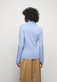 Temperley London - HONEYCOMB JUMPER - Svetr - powder blue - 2