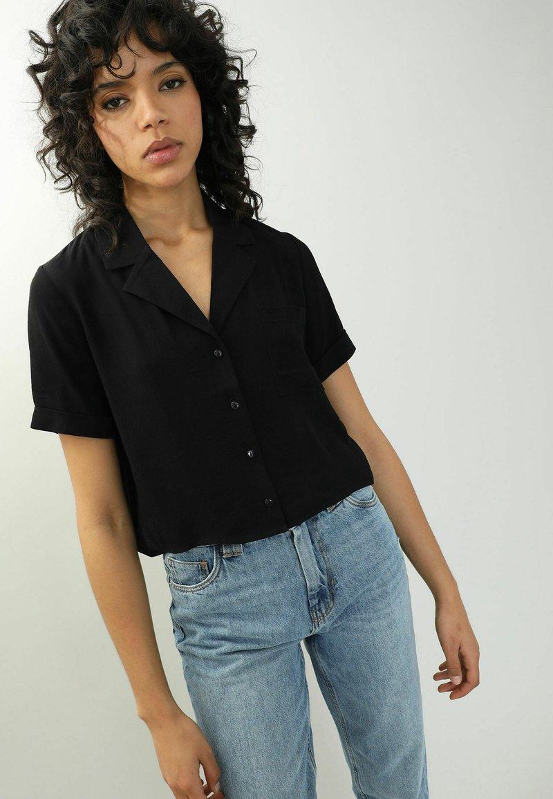 Pimkie - Button-down blouse - schwarz