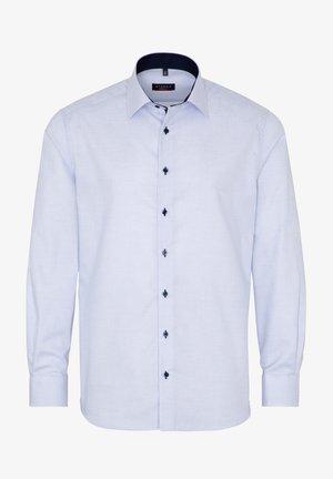 FITTED WAIST - Zakelijk overhemd - hellblau