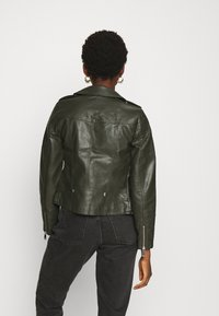Vero Moda - VMKERRIULTRA  - Faux leather jacket - rosin - 2