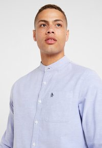 Original Penguin - OXFORD BANDED COLLAR - Košile - amparo blue - 3