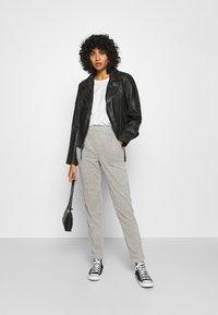 ONLY - ONLALBA AMY PANT - Trousers - light grey melange - 1