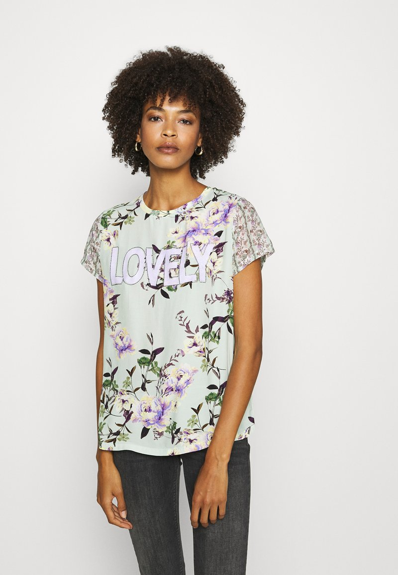 Rich & Royal - LOVELY WITH FLOWER PRINT - Blouse - jade mint
