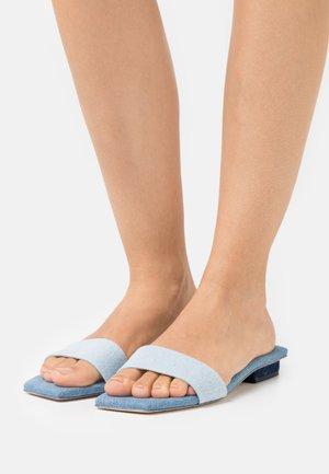 MAYA  - Pantofle - mist/multicolor